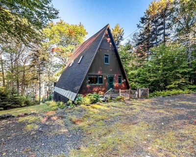 Three-Story Lakefront Cabin + Loft w/Spacious Deck, Lake Views, Gas Grill, Stove - Northwest Piscataquis