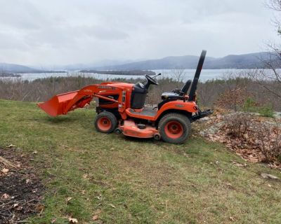 2009 Kubota BX2360 Compact Tractor with mower and front loader