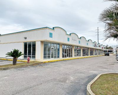 Dawes Plaza Retail Space Available