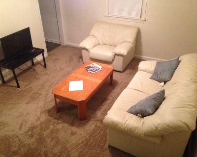 Comfortable & Affordable House Less Than 15 Min To Coliseum, Shopping, & Beaches - Hampton