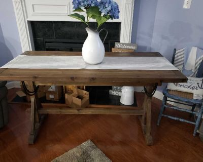 Pine Dining table/4parson chairs