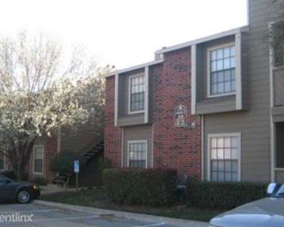 1135 Silverwood Dr, Arlington, TX 76006 1 Bedroom Condo