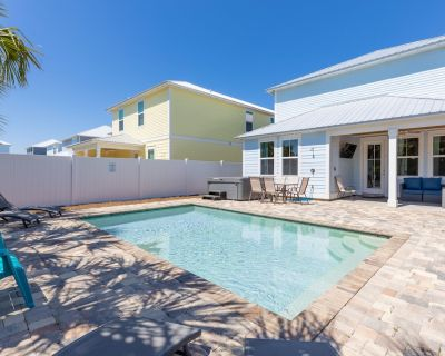 Private Pool! Hot Tub! 1 Block to Beach! TWO Master Bedrooms! - Panama City Beach