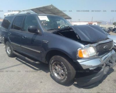 Salvage Blue 2002 Ford Expedition