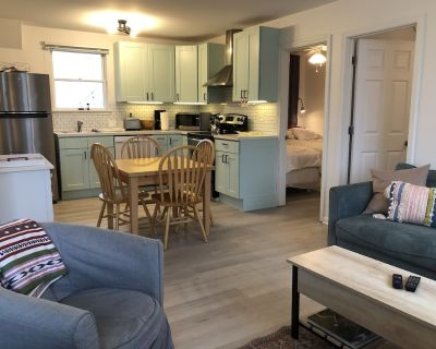 Oceanblock 2 bed / 1 bathroom with Private Sun Porch - Bethany Beach