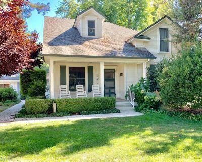 Beautiful Chico Farmhouse. Room for All!!! - Chico