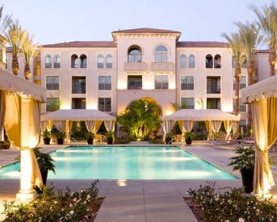 Luxury Apartment near South Coast Plaza