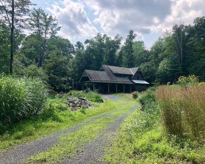 Private 6 Acre Catskills Retreat Between Mohonk and Woodstock - Sleeps 8 - Town of Marbletown