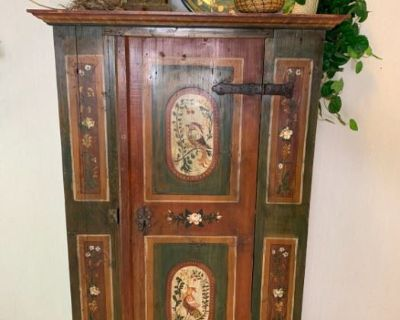 Beautiful Treasures in Burnsville Online Auction by Caring Transitions Ends 5/22!