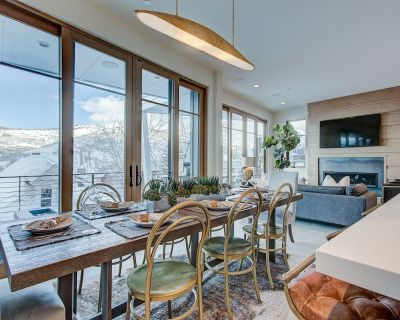 Brand New Lux Home w/Hot Tub & 2 car garage Steps to the Town Lift, 3 Blocks to Main Street! - Downtown Park City