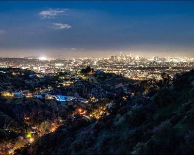 JETLINER VIEWS IN THE HOLLYWOOD HILLS - Laurel Canyon