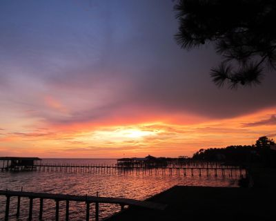 (Advertised Here ONLY!) GREAT Bay Cottage Home Twenty Feet from the WATER! - Fairhope