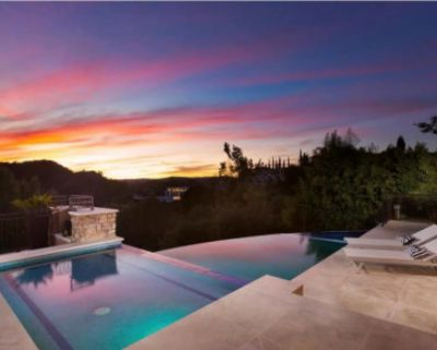 Luxurious Beverly Hills Mansion with Spectacular Views, Beverly Hills, CA