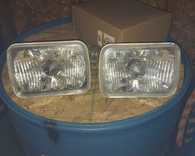 Headlight conversion sealed to replaceable halogon bulb