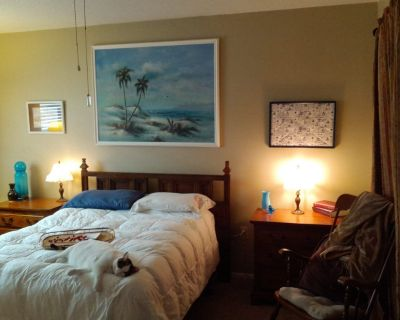 Roommate wanted to share 2 bed2bath bath Venice FL home