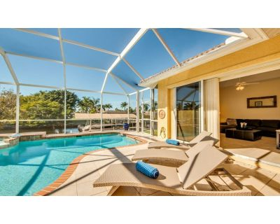 Wonderful pool and canal home in Cape Coral with boat included! - Yacht Club