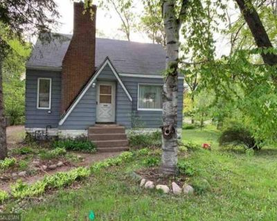 Arden Hills With Lake Access. Near Shopping & Food - Arden Hills