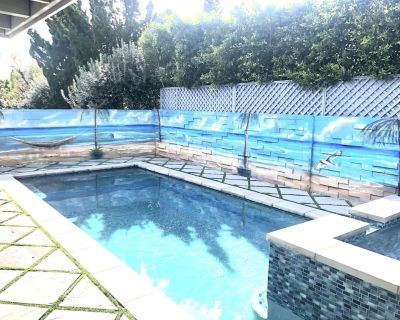 Luxury home pool & Jacuzzi. 10 mins to universal studio 15 mins to Hollywood - Valley Glen