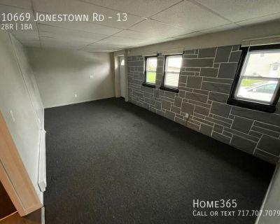 Newly Renovated 2Bd, 1Ba Apartment
