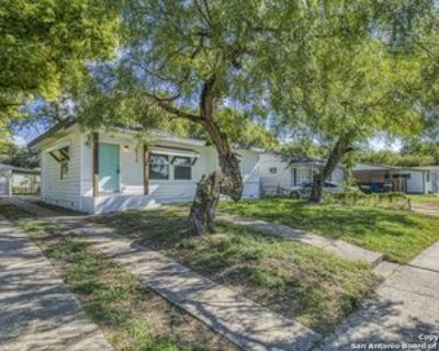 215 Freiling, San Antonio, TX 78213 3 Bedroom Apartment