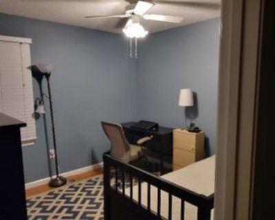 Lantern Pl, Groveton, VA 22306 4 Bedroom Condo