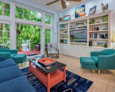 **COLORS OF THE KEYS @ THE FOUNDRY** Villa Near Duval & Beach + LAST KEY SERVICE - Old Town Key West