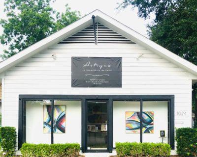 Art Gallery, Outdoor Patio, and Dance Floor in Houston, TX, Houston, TX