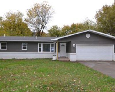 1945 S Saint Charles Ave #1, Springfield, MO 65804 3 Bedroom Apartment