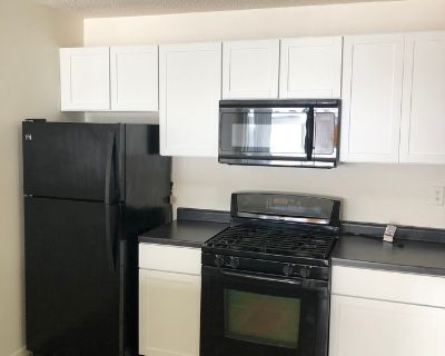 Beautifully Remodeled 2 Level 1 Bedroom Condo