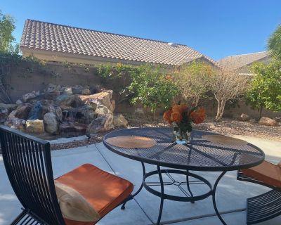 Serene Fountain Desert Home (55+) w/Golf Cart - Desert Palms