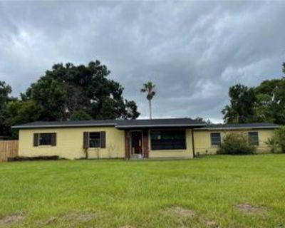 222 W Buchanon Ave, Pine Castle, FL 32809 3 Bedroom Apartment