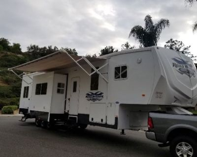 By Owner! 2011 42ft. Heartland Road Warrior 395RW w/3 slides