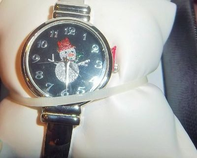Beautiful new snowman watch from Penny's - Still in box
