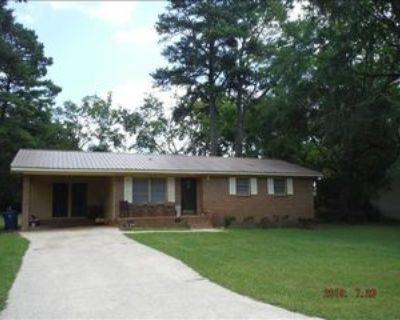 6215 Spruce Dr, Anniston, AL 36206 3 Bedroom Apartment