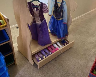 Dress up rack with drawer $20