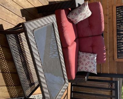 Outdoor Patio love seat and coffee table