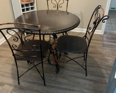 FS Kitchen Table with chairs