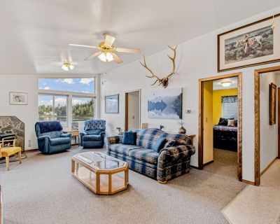 Dog-Friendly Bayfront Home w/ Free WiFi, a Large Deck, Private Dock, & Beach - Worley