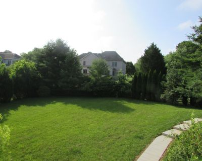 First Level of house, 2 Bed spacious, walkout door ,bright garden view - North Potomac