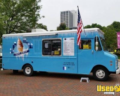 Heavy-Duty 25' Chevrolet P30 Ice Cream Truck / Turnkey Soft Serve Business
