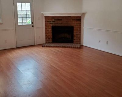 Private room with shared bathroom - Yorktown , VA 23692