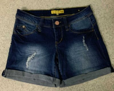 YMI Blue Jeans Shorts Size 3 NWOT ! See additional pics