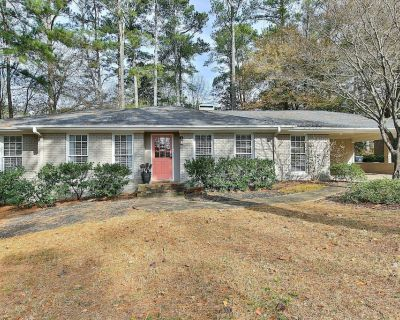 Beautiful bungalow right in Historic Roswell - Roswell