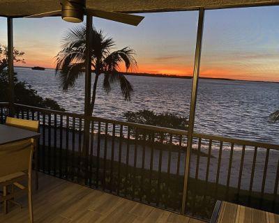 Newly Renovated Furnished Waterfront Condo | Sanibel Harbour Resort - Punta Rassa