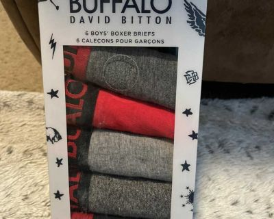Buffalo boys 6 boxer briefs size 4/5. Brand new in the package