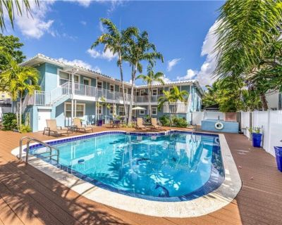 Blue Parrot Inn #3- MONTHLY SPECIALS-1 Bedroom for 4-1 Mi to Beach - Coral Ridge