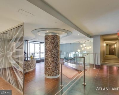 Professionally Managed // Studio // Dupont Circle// Updated Kitchen and Rooftop Pool