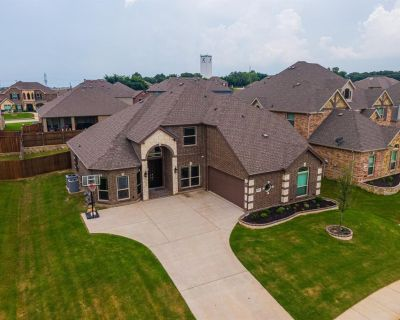 1606 Montelena Ave, Kennedale, TX 76060