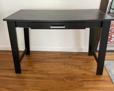 Free computer desk table