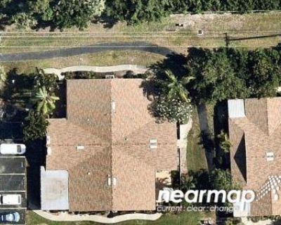 2 Bed 1.5 Bath Foreclosure Property in Fort Myers, FL 33908 - Royal Woods Dr